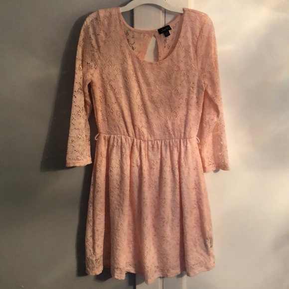 9e450bef3 justify Dresses & Skirts - Juniors light pink dress in good condition size L
